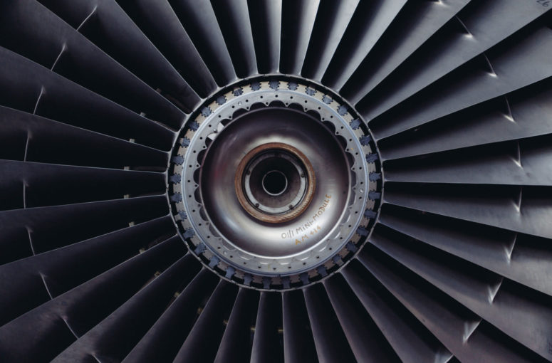 jet-engine-turbine-jet-airplane-engine-technology