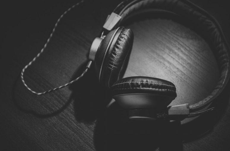 headphones-headset-audio-technology-music-sound